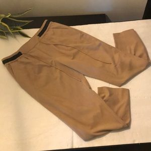Zara size large dress pant in camel with black